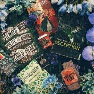 "Bookish Spotlights: Review of OwlCrate's December monthly box ""Tales of Trickery"""