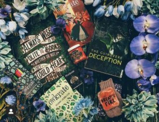 """Bookish Spotlights: Review of OwlCrate's December monthly box """"Tales of Trickery"""""""