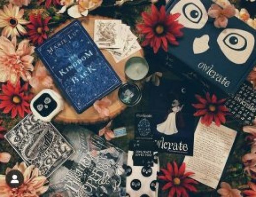 """Bookish Spotlights: Review of OwlCrate's """"Music of the Night"""" March box"""