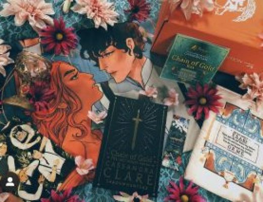 Bookish Spotlights: Review of FairyLoot's Chain of Gold Special Edition Box